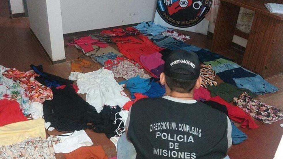 Allanaron una vivienda e incautaron prendas que habrían sido sustraídas de la boutique asaltada