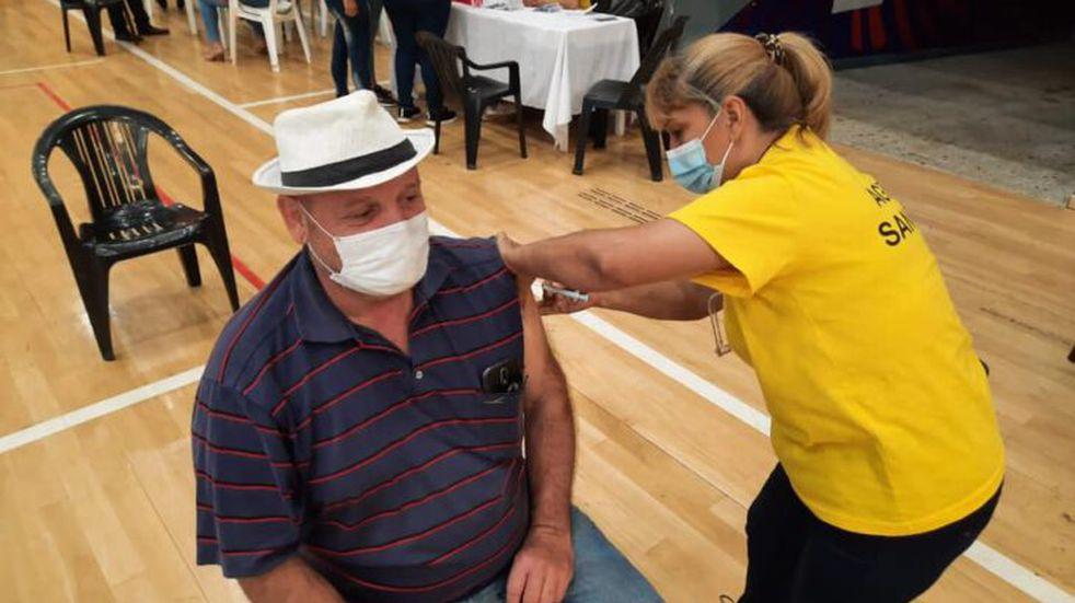 Continúa la inmunización contra el Covid-19 con la segunda dosis de Sputnik V en Misiones