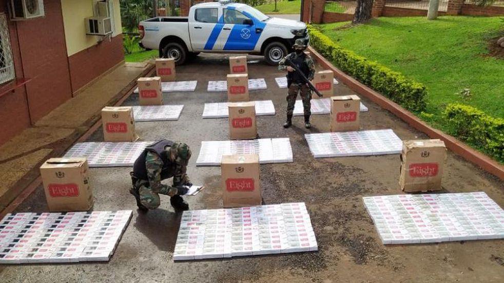 Efectivos de Prefectura Naval Argentina secuestraron cigarrillos de contrabando en Puerto Rico.