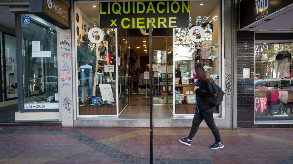 Indec: en 2020 la economía argentina cayó 10%, el peor resultado en casi dos décadas