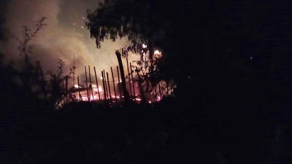 Violencia de género en Santa Ana: quiso incendiar la casa con su pareja embarazada dentro