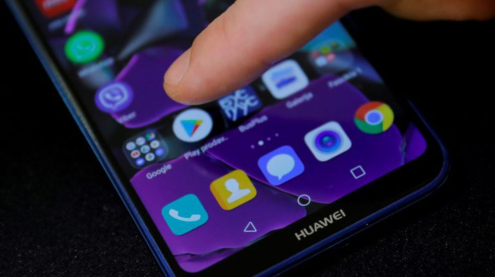 Detectaron siete aplicaciones diseñadas para espiar celulares de otras personas