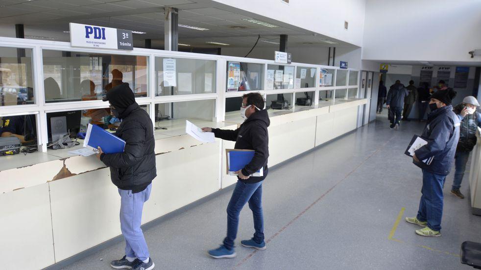 Exigen PCR a transportistas extranjeros en el Paso Cristo Redentor