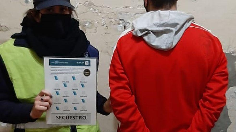 Detuvieron a uno de los prófugos buscados por comercialización de drogas