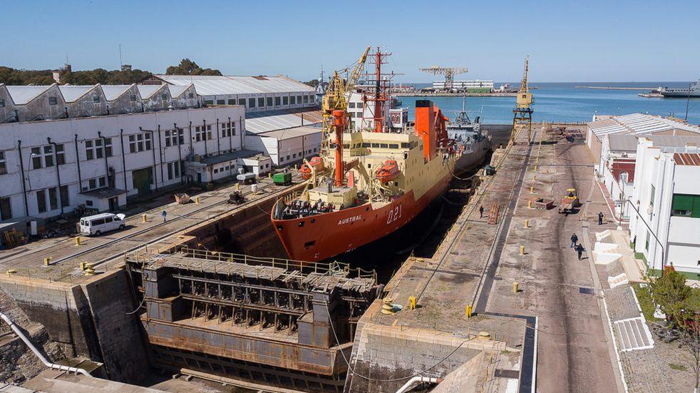 """Finalizaron las tareas de mantenimiento en el Buque oceanográfico ARA """"Austral"""" en Puerto Belgrano."""