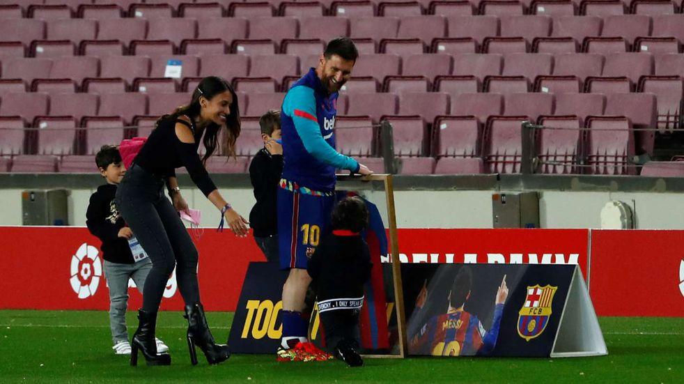 Antonela Roccuzzo se llevó todos los flashes en la distinción a Messi