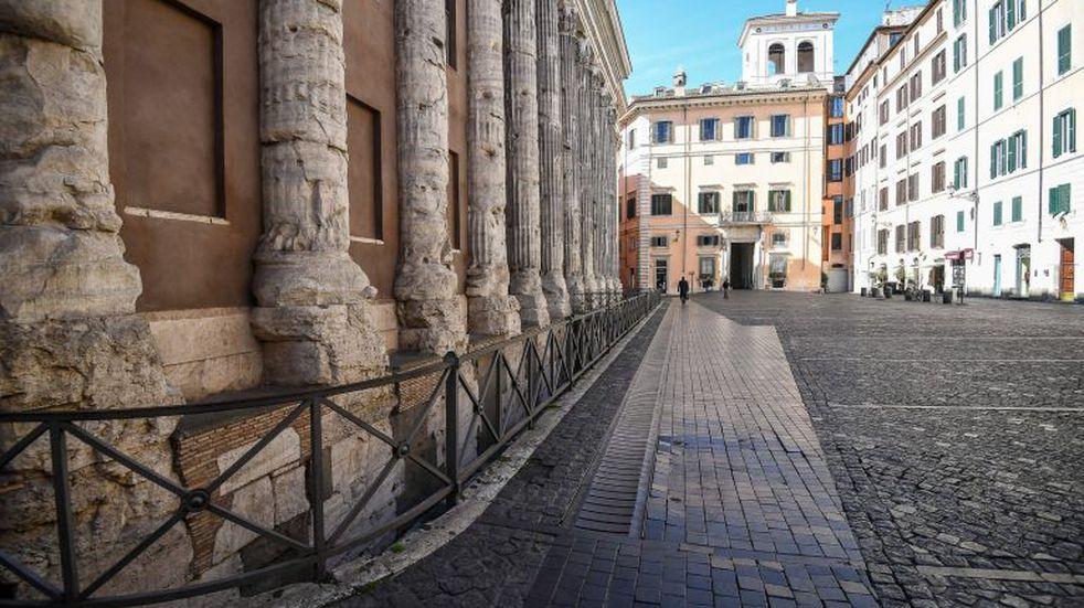 Italia extiende el toque de queda y prohíbe los viajes hasta el 15 de enero