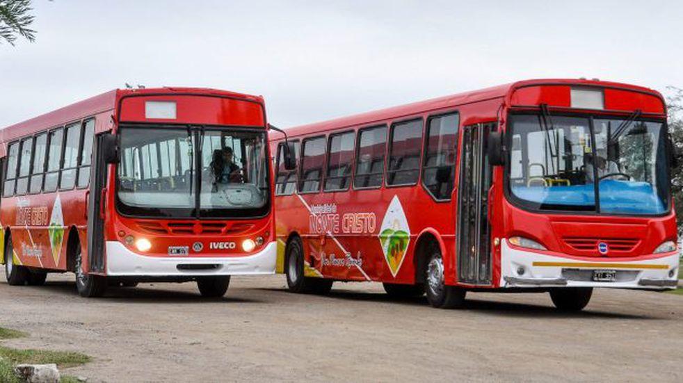Para imitar: para que no falten al colegio por el frío, el Municipio habilita el transporte comunitario