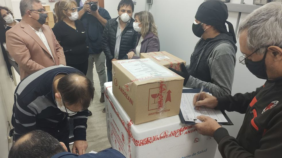 Vacunación: Catamarca recibió el primer cargamento de dosis de Pfizer