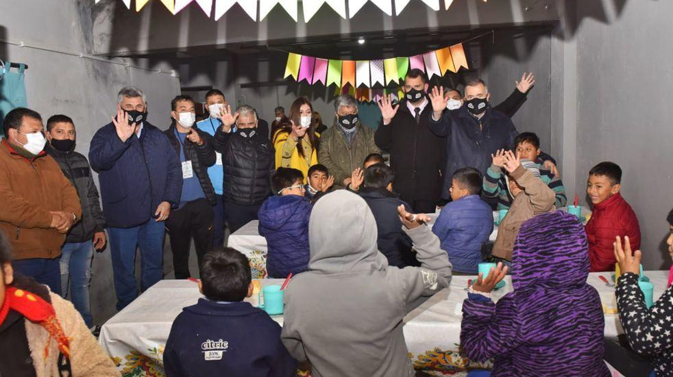 El vicegobernador Osvaldo Jaldo visitó la Fundación Felices los Niños en Lules