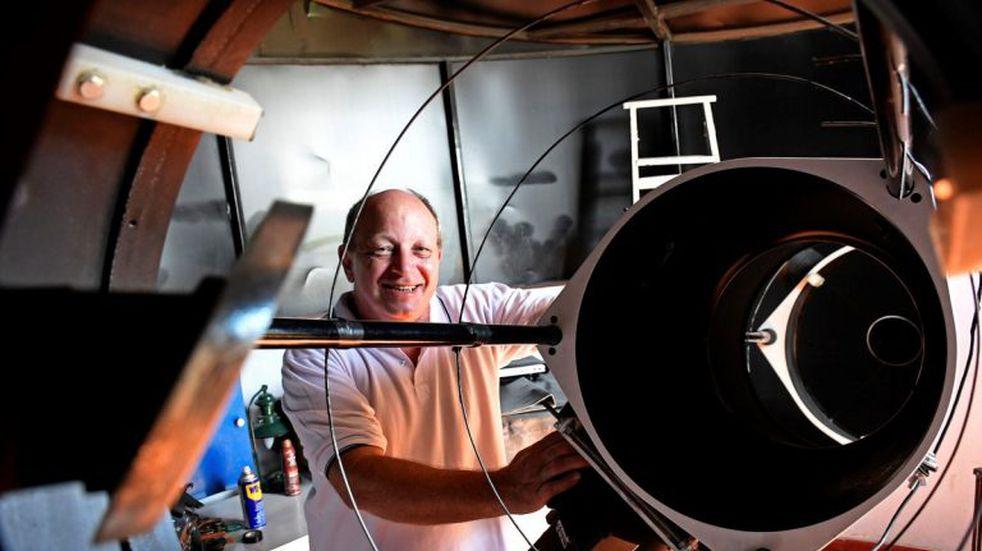 El cerrajero rosarino que vio nacer una supernova trabaja en otro gran hallazgo