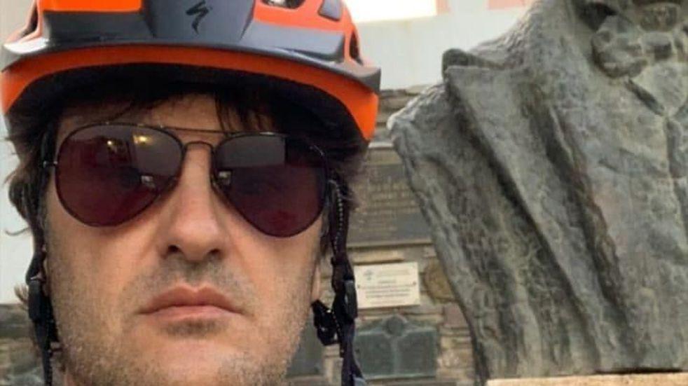 Ciro, de paseo en bicicleta por San Juan