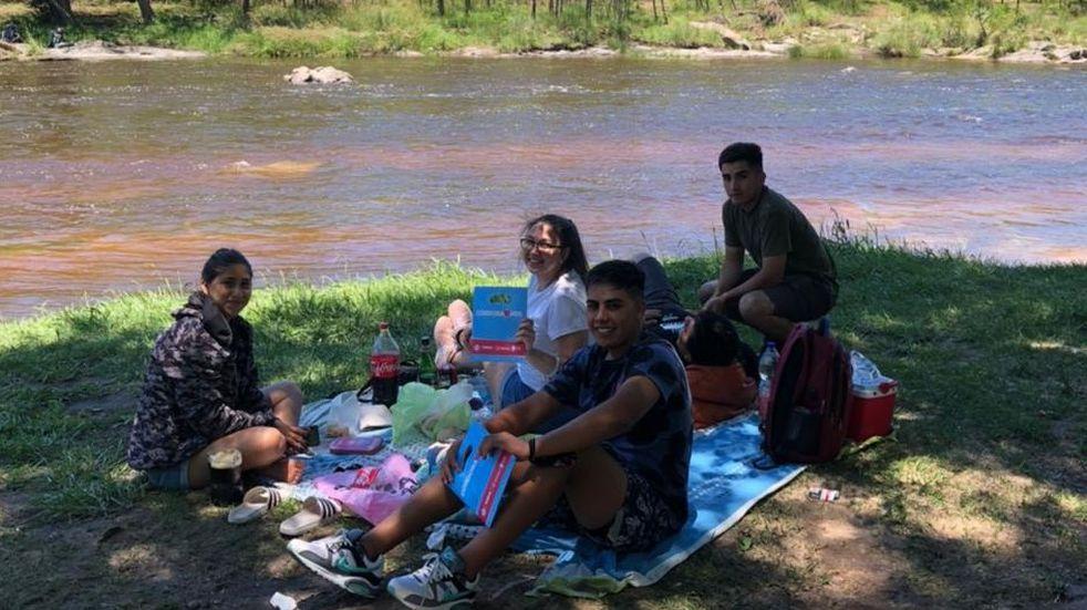 Entregaron kits sanitarios en las costas del río San Antonio