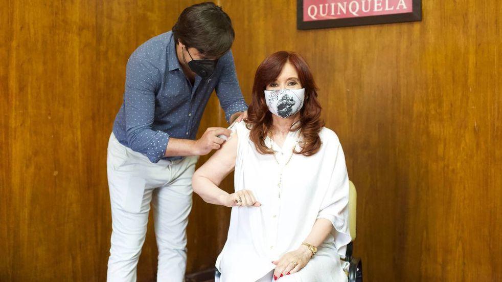 Cristina Kirchner recibió la primera dosis de la vacuna Sputnik V contra el coronavirus