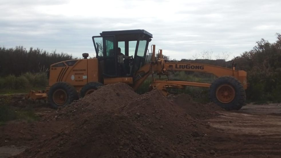 Se construyen dos estacionamientos en Reta