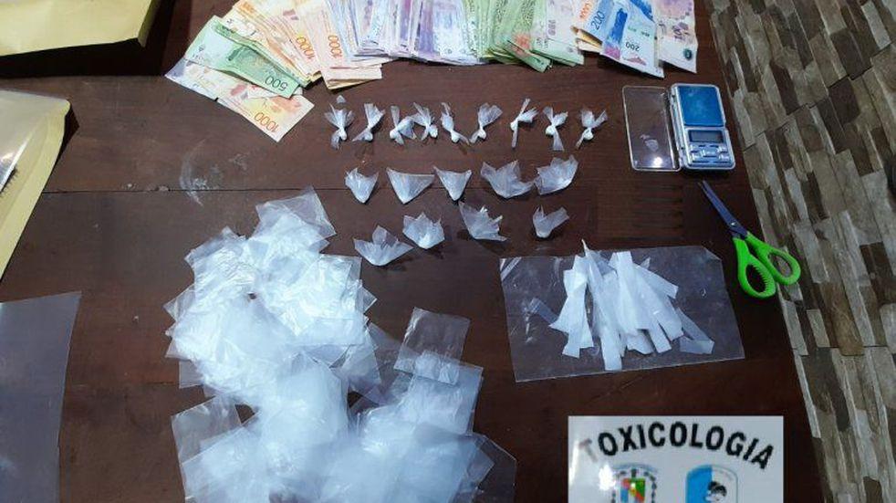 Incautaron cocaína, teléfonos, documentación y elementos de fraccionamiento.