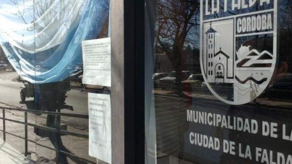 Personal municipal de La Falda retoma el trabajo por burbujas y restringe la atención al público por acumulación de contagios