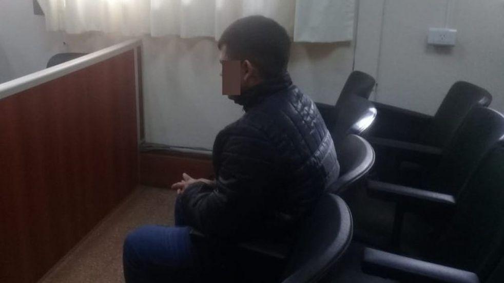 Le decía que le leyera los WhatsApp y la violaba: le dieron 10 años de prisión
