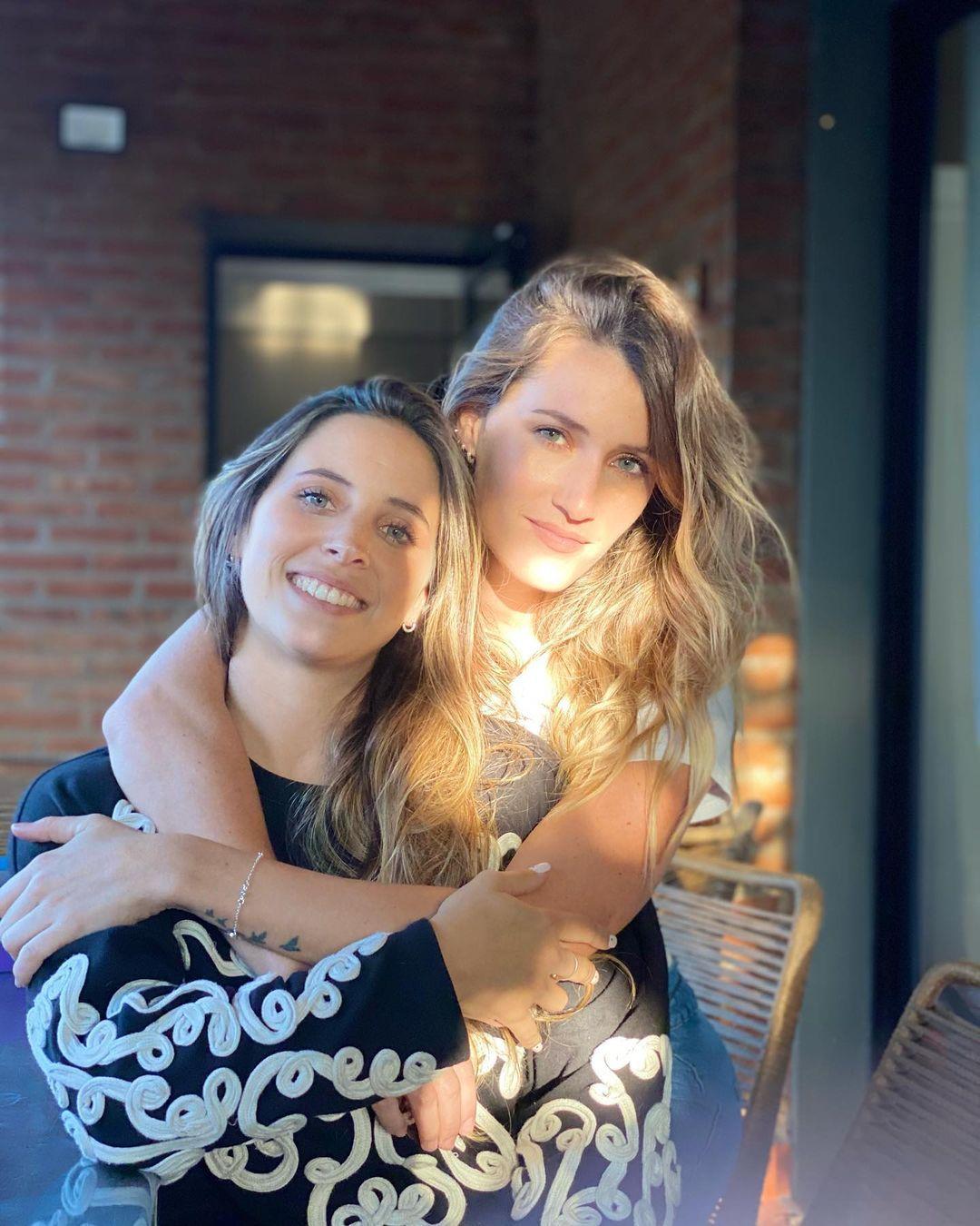 Mica Viciconte y su hermana Lara
