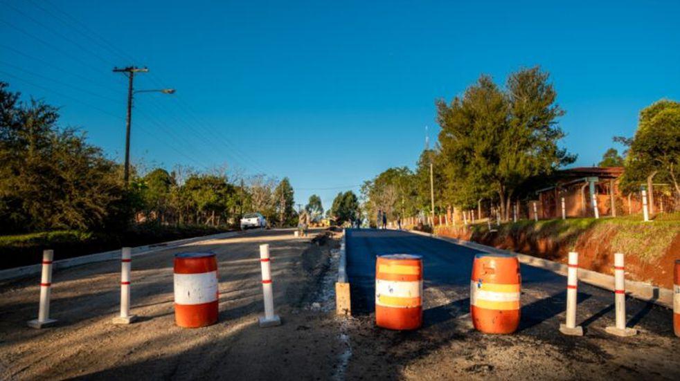 Colonia Guaraypo: la DPV ejecuta obras de pavimentación en el acceso