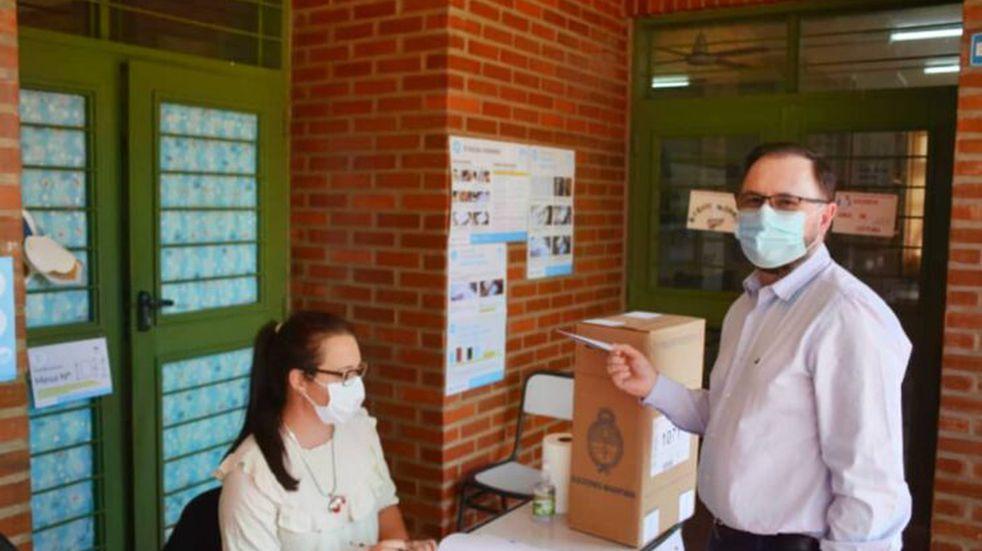 PASO 2021 en Misiones   El actual diputado nacional, Diego Sartori votó en Leandro N. Alem