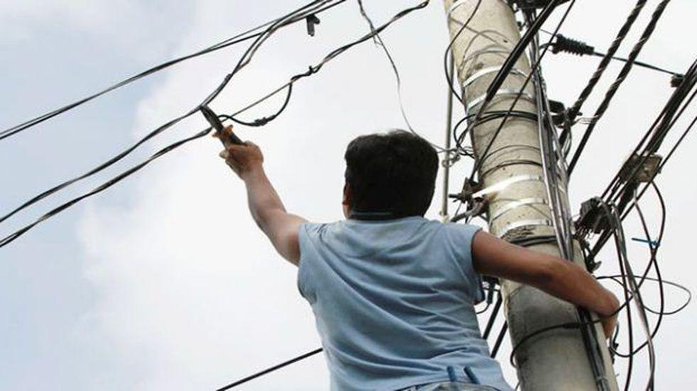Por fin: detuvieron a tres sujetos robando cables