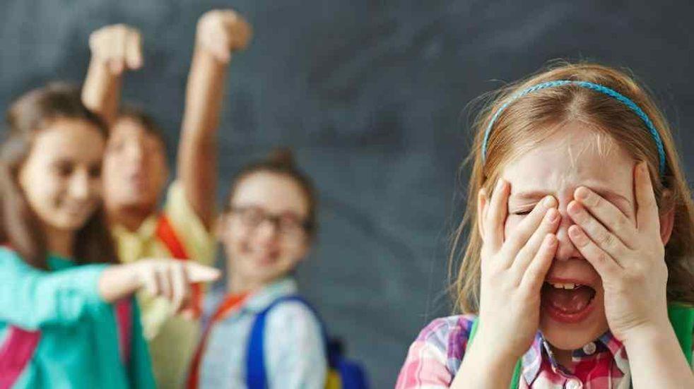 Psicóloga maipucina detalla los signos de alerta de los niños y adolescentes que sufren bullying en sus escuelas