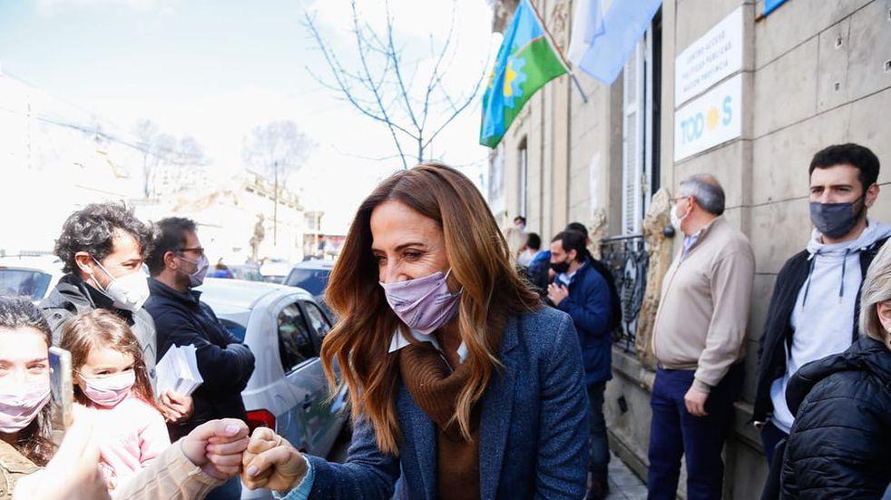 Victoria Tolosa Paz visitó Azul y Cacharí