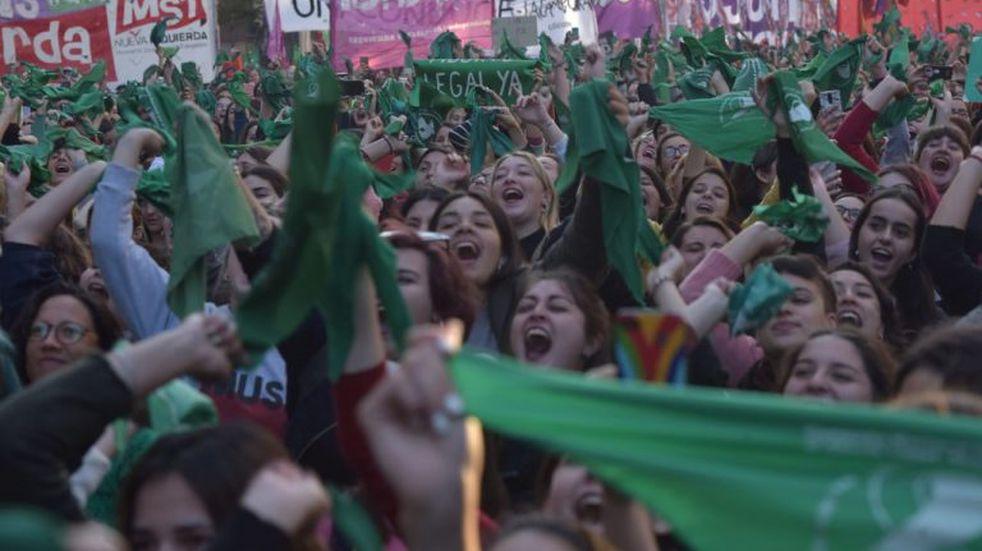 "Aborto legal: el ""pañuelazo verde"" en Córdoba"