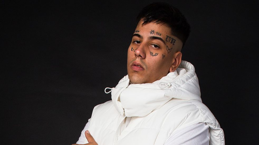 "Duki lanzó ""Unfollow"" junto a Justin Quiles y Bizarrap. (Prensa Duki/ @JessPraznik)"