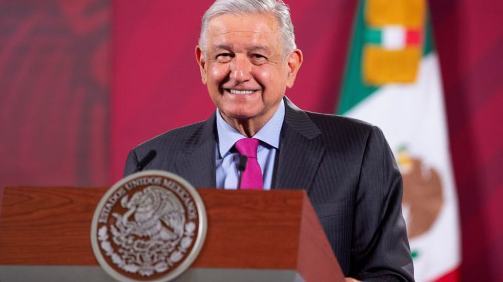 López Obrador defendió la legalidad de la consulta popular para enjuiciar a expresidentes