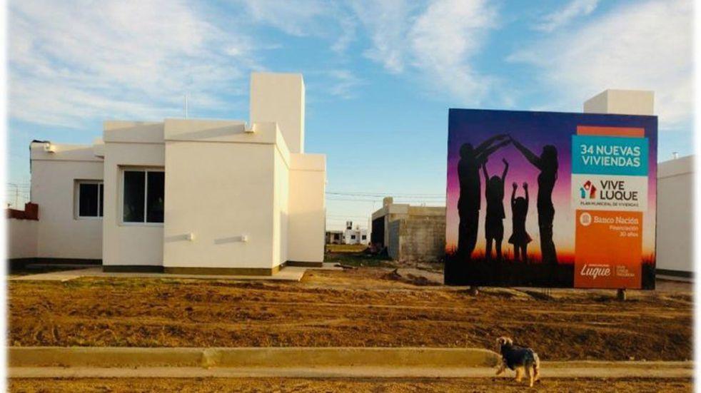 La Municipalidad de Luque entrega 34 viviendas