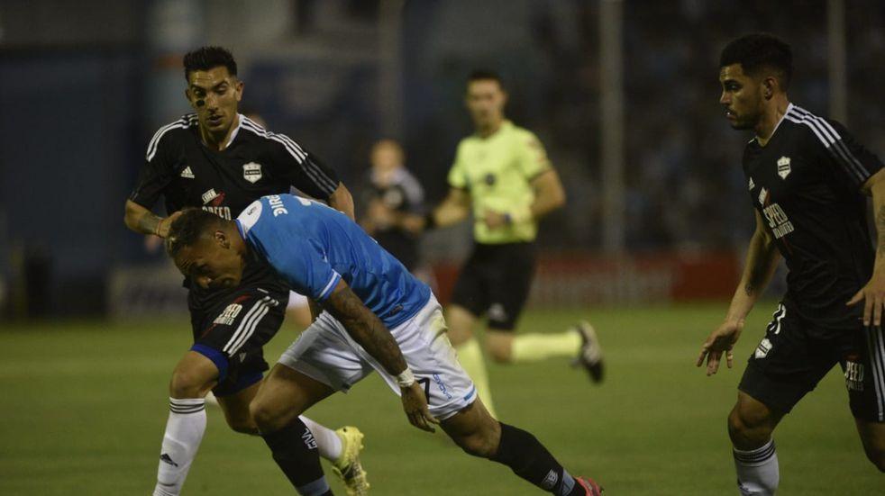 Fabián Bordagaray, de los mejores en el triunfo ante Riestra, seguirá como titular en Belgrano (Facundo Luque).