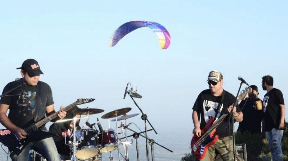 """La """"Experiencia Stereo 2"""" voló en las alturas desde el Cerro Arco"""