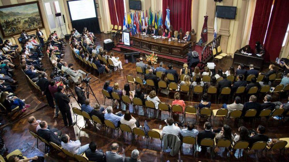 Un diputado salteño propuso recortar un 20% los sueldos de legisladores