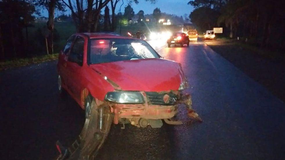 Accidente vial en Apóstoles entre un auto y un camión