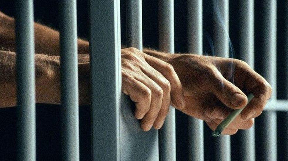 """Condenaron al """"Araña"""" con 12 años por violar a su hijastra en la cárcel"""