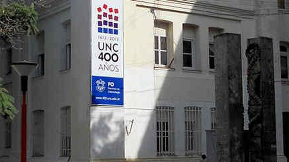 La Justicia federal procesó al profesor Olmedo y a la decana de Odontología