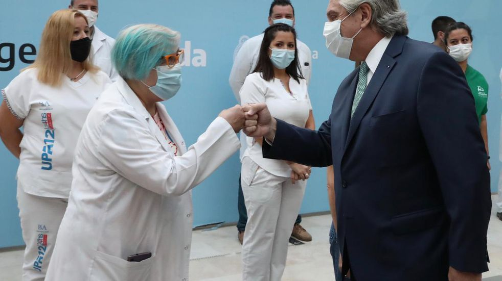 Alberto Fernández anunció tres bonos de 6.500 pesos para los trabajadores de la Salud