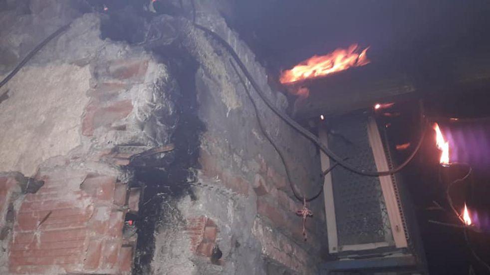 Bahía: voraz incendio en una vivienda