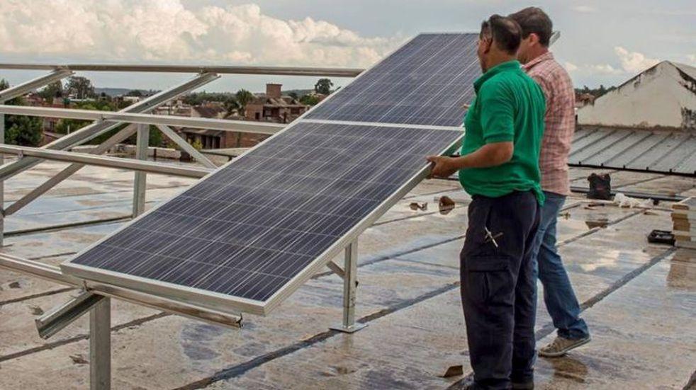 Escuelas con tecnología solar aportarán energía a la red pública en Jujuy