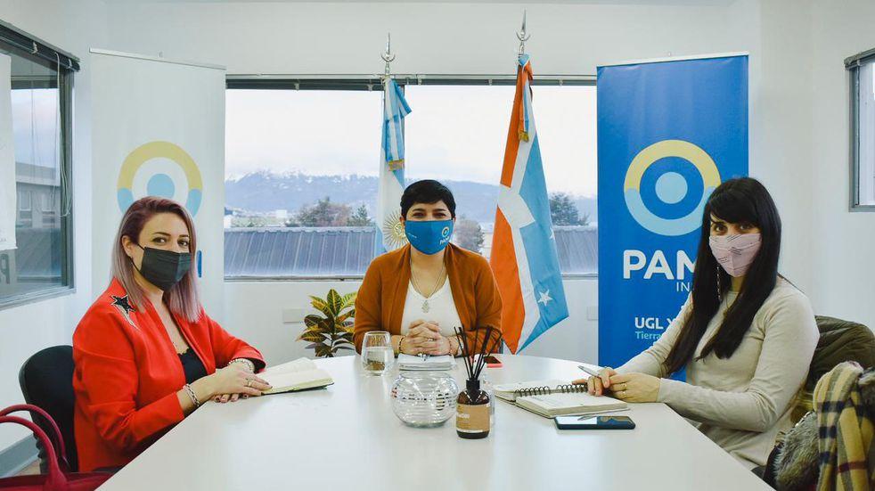 Trabajo conjunto entre la Secretaría de la Mujer y el PAMI