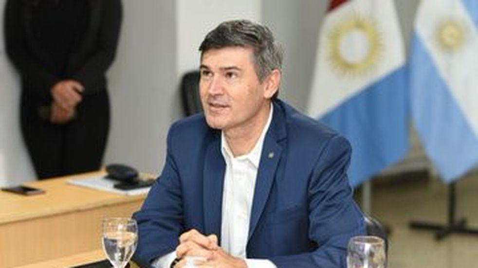 """Daniel Passerini, futbolero: """"La oposición es como un DT que culpa al árbitro cuando pierde"""""""