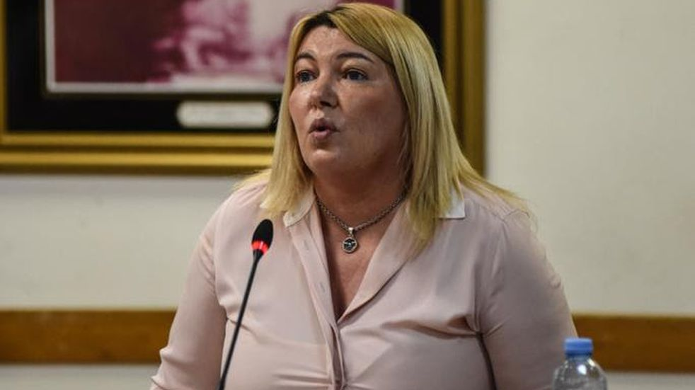 """Rosana Bertone: """"Tenemos escuelas cerradas por falta de mantenimiento mientras que los funcionarios pasean en helicóptero"""""""