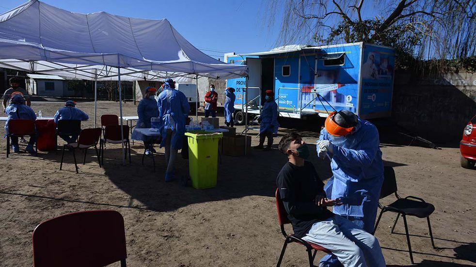 Coronavirus: cómo sigue el operativo de hisopados y vacunaciones en los barrios de Córdoba