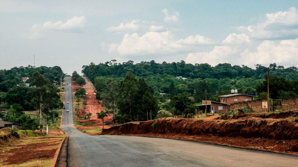 Vialidad Provincial finalizó trabajos de asfalto sobre empedrado en Oberá y Campo Ramón