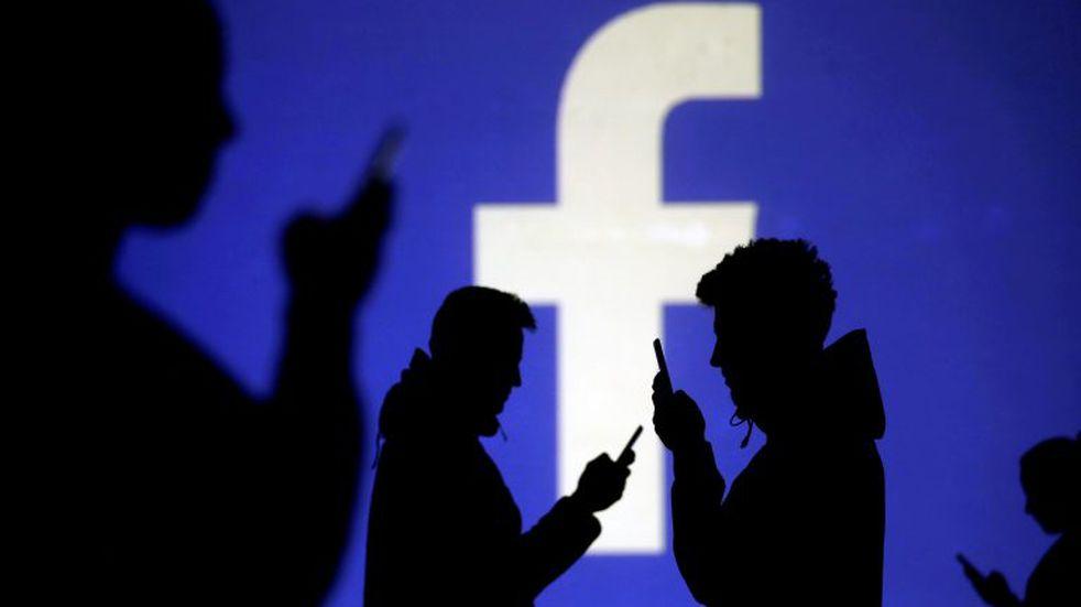 Alerta en Estados Unidos: aumentaron las noticias falsas en Facebook a un año de las elecciones
