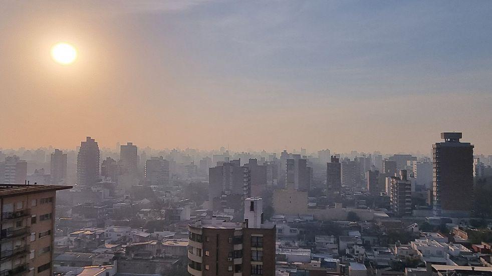 Nuevamente el humo invadió Rosario y las rutas santafesinas