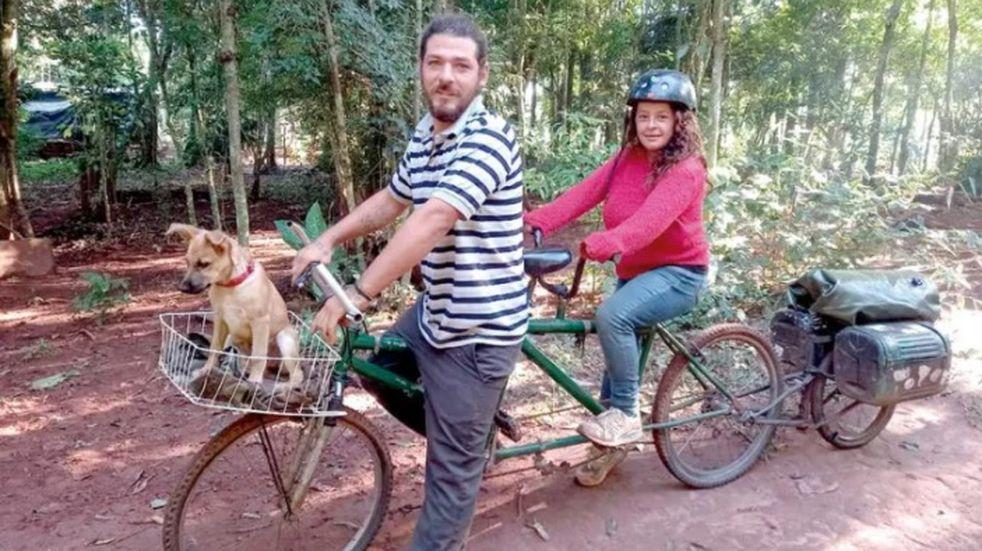 En bicicleta desde Córdoba hasta Iguazú para concretar su sueño de conocer Cataratas