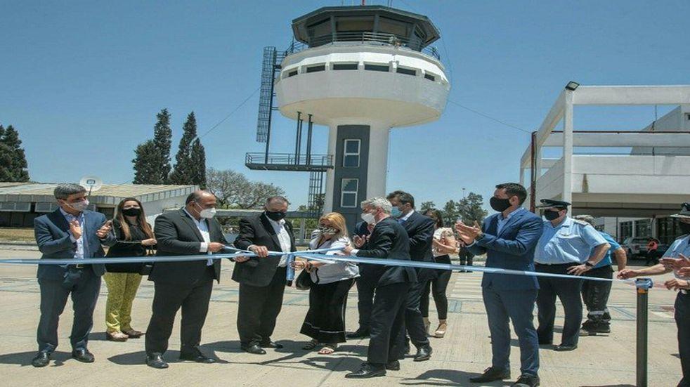 Manzur junto a Meoni y Massa inauguraron las nuevas instalaciones de la Torre de Control del Aeropuerto